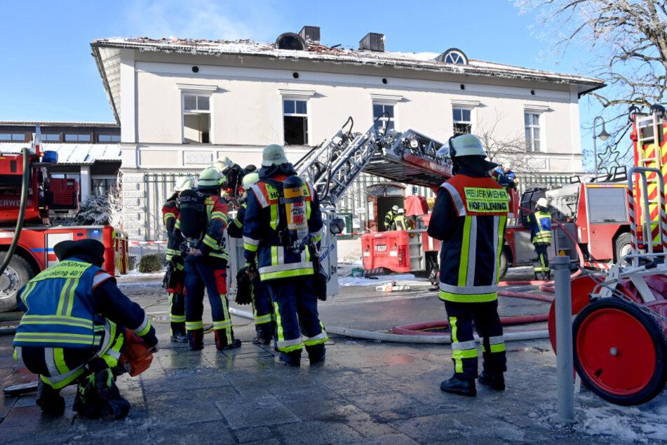 Traurige Gewissheit: Bewohner nach Brand im alten Rathaus in Sauerlach tot aufgefunden
