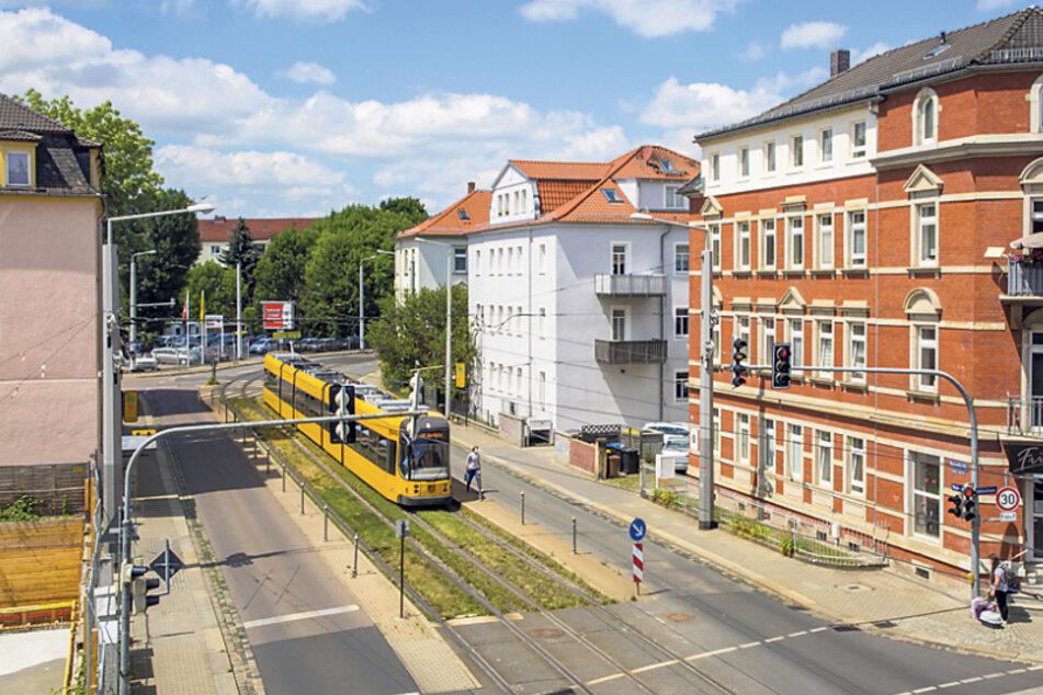 Aktuell ist es auf der Steinbacher Straße zwischen Hebbelplatz und Chamissostraße noch zu eng für die neuen Bahnen.