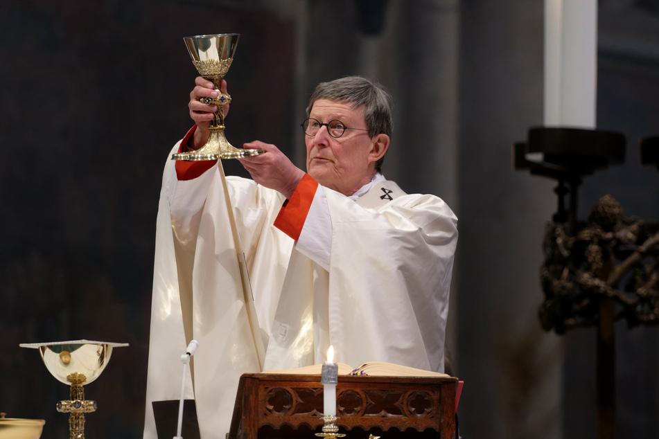 Der Kölner Kardinal Rainer Maria Woelki (64) hat einen Pfarrer befördert, obwohl dieser zuvor sexuelle Handlungen mit einem 17-jährigen Prostituierten zugegeben hatte.