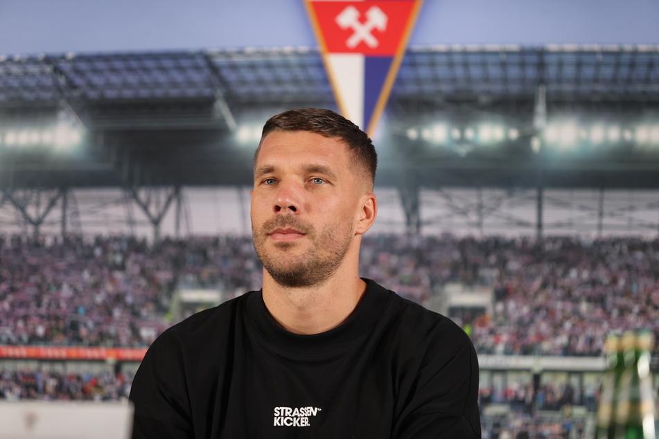 Lukas Podolski (36) hat einen Einjahresvertrag beim polnischen Erstligisten unterschrieben.