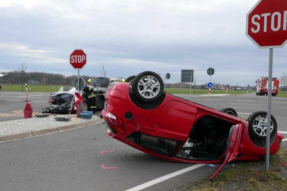 Bei einem Unfall auf der S43 bei Brandis sind am Dienstag drei Menschen verletzt worden.
