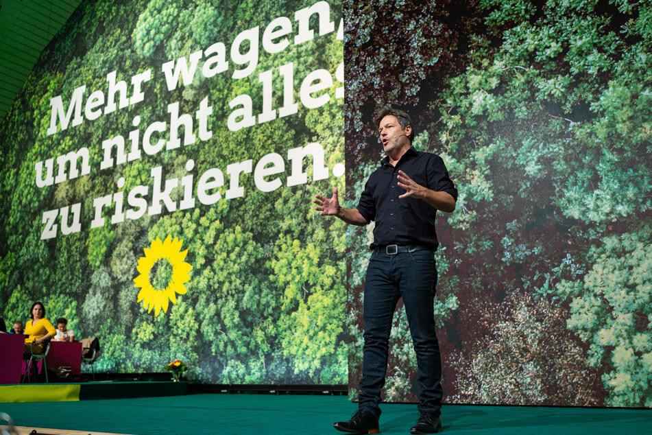 Robert Habeck von Bündnis 90/Die Grünen begeistert viele Wähler (Foto: @Guido Kirchner/dpa).