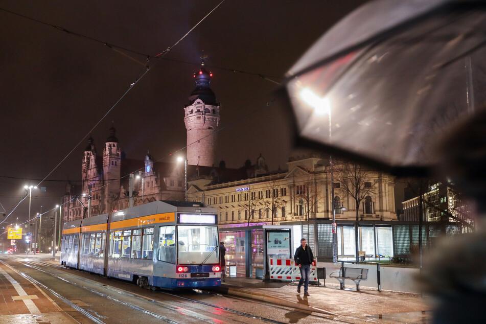 Das Auto wurde am Wilhelm-Leuschner-Platz angezündet. (Archivbild)