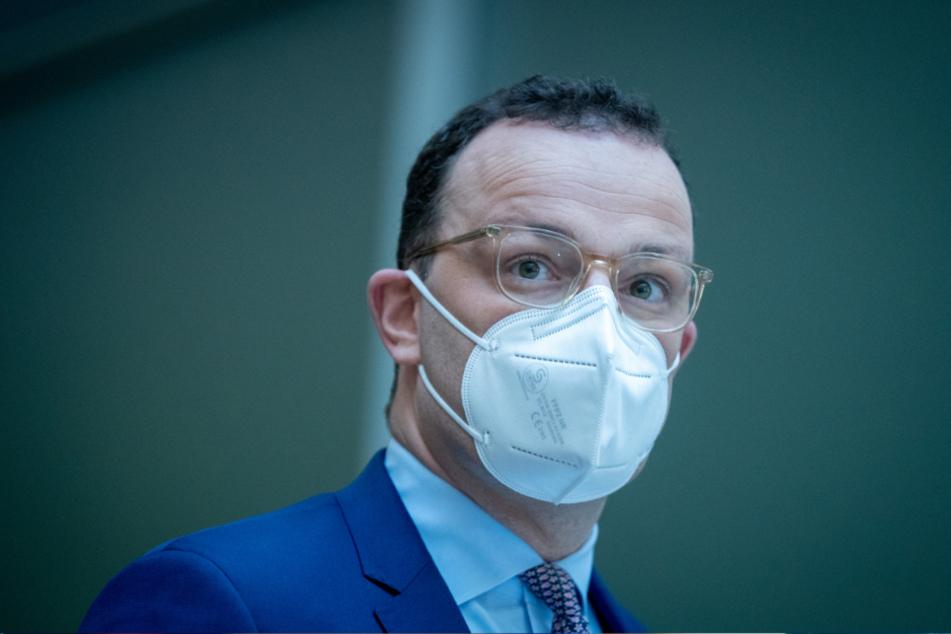 Berlin: Jens Spahn, Bundesminister für Gesundheit, gibt in seinem Ministerium eine Pressekonferenz zur Impfstrategie der Bundesregierung.