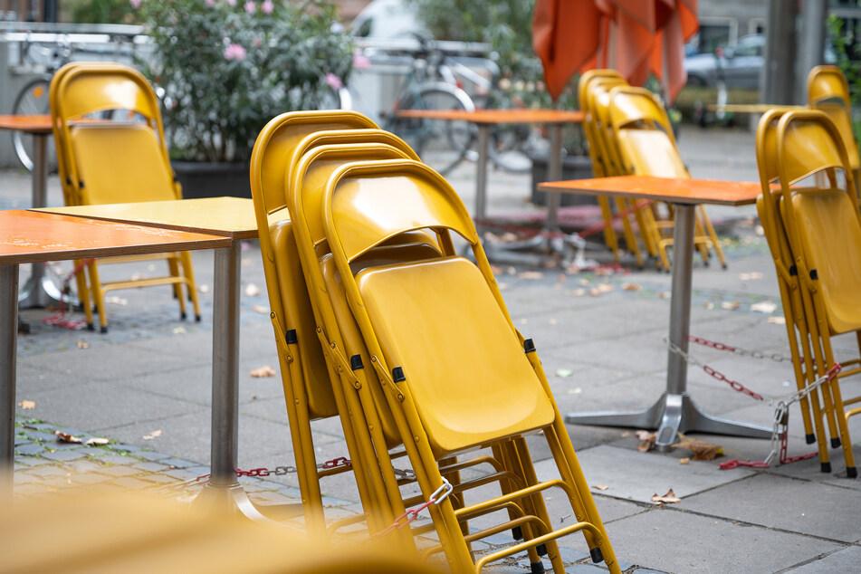 Minijobber in Kneipen und Cafés leiden besonders an Corona-Jobverlust.