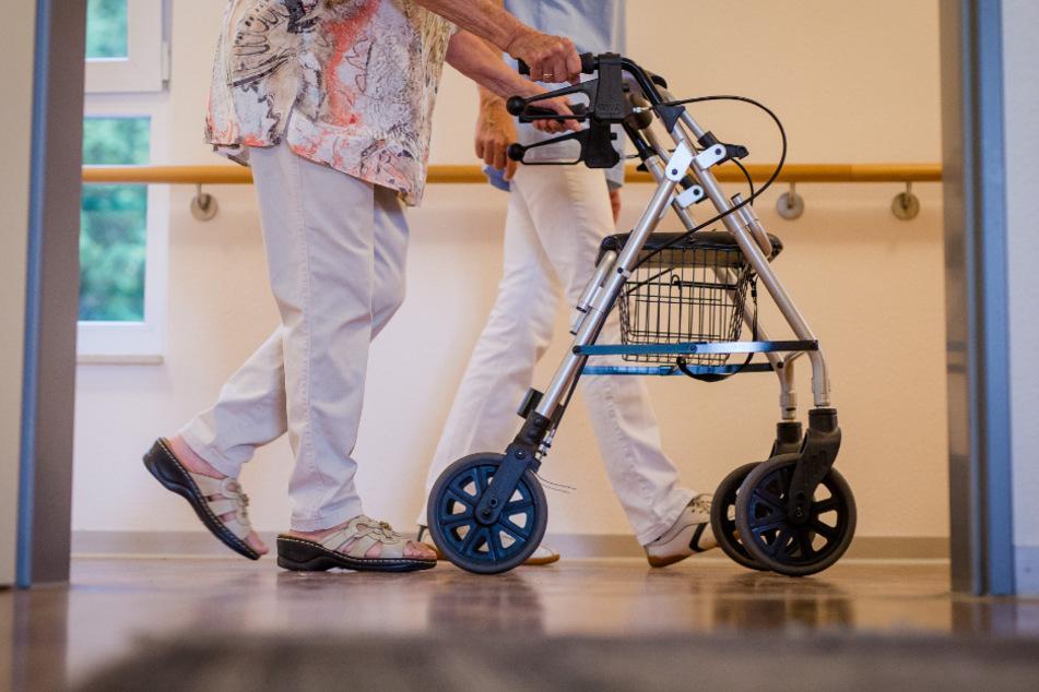 Pflegebedürftige sind besonders coronagefährdet. (Symbolbild)