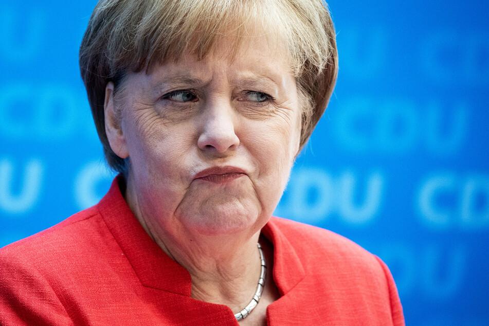 """Bundeskanzlerin Angela Merkel (66, CDU) spricht sich für den von Armin Laschet (60, CDU) vorgeschlagenen """"Brücken-Lockdown"""" aus."""