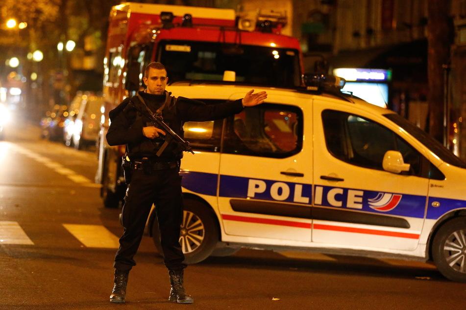 Die Polizei tötete den mutmaßlichen Angreifer. (Symbolbild)