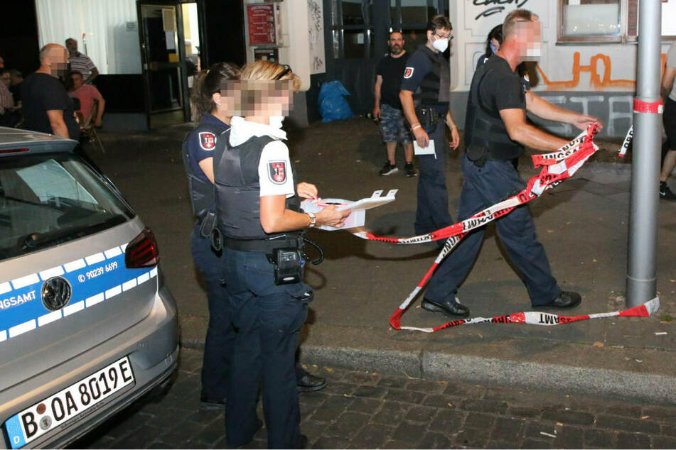 Razzia gegen Clan-Kriminalität: Polizei beschlagnahmt scharfe Munition in Neuköllner Lokal