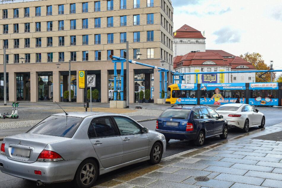 Autofahrer, aufgepasst: Am Postplatz verschwinden die Parkplätze!