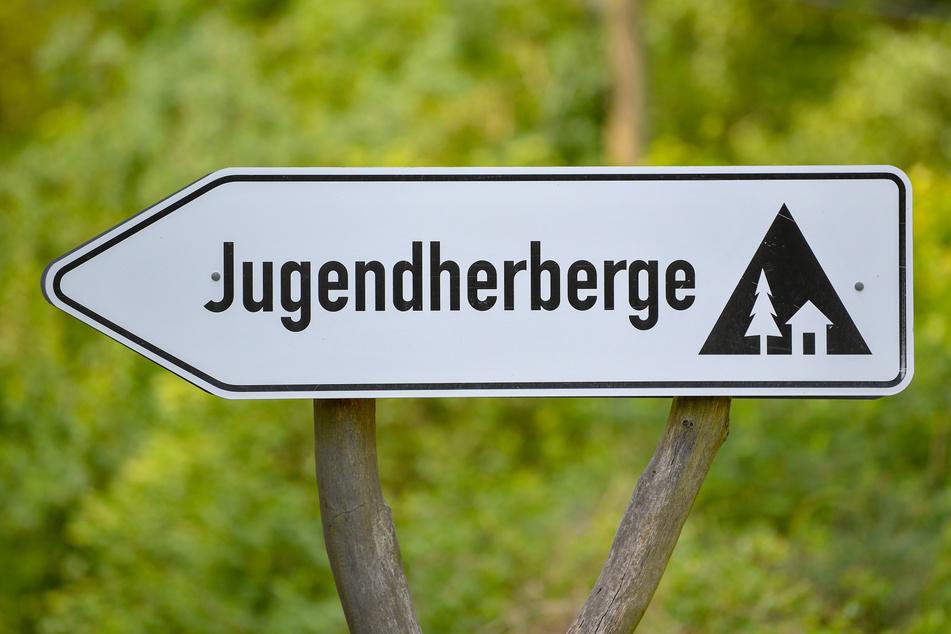 Am stärksten betroffen sind laut der Statistik Hütten, Jugendherbergen und Campingplätze. (Symbolbild)
