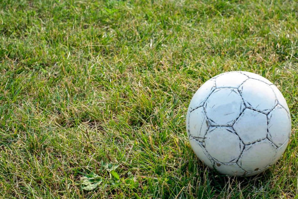 Fußball-Wahnsinn! Spiel ernsthaft wegen Haarfarbe abgesagt