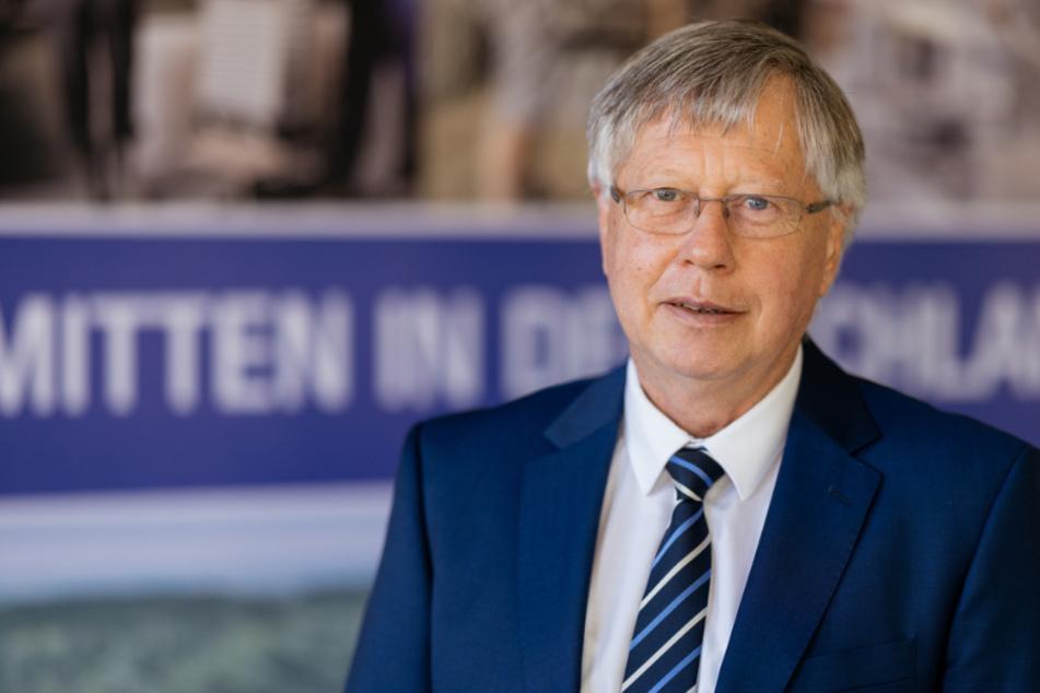 Thomas Fügmann (66, CDU), Landrat des Saale-Orla-Kreises, hat sich gegen eine ganztägige Ausgangssperre in seinem Kreis ausgesprochen.