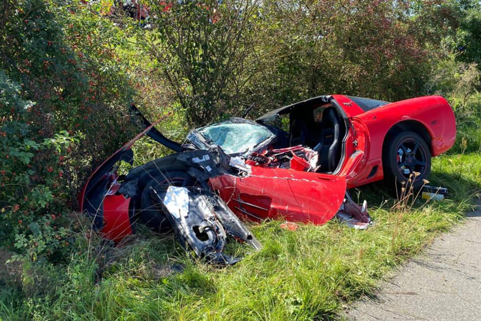 Die Corvette hatte an der Ampel grün, der Fahrer des Feuerwehrwagens versuchte noch, auszuweichen.