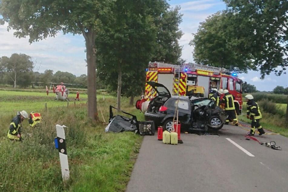 Tödlicher Unfall: Hyundai-Fahrerin kollidiert mit Baum und stirbt