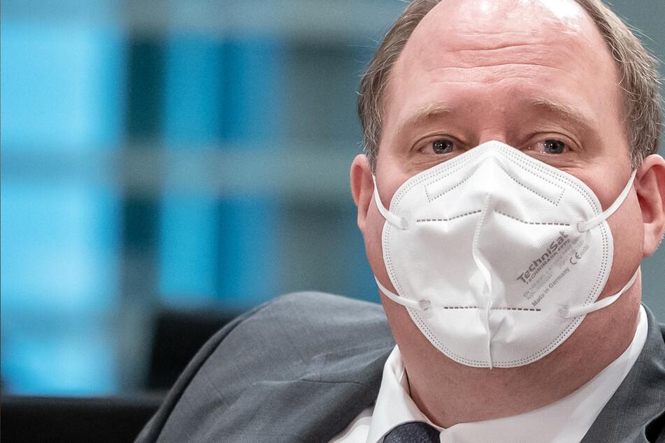 """Kanzleramtschef zur Corona-Krise: Impfzentren werden im Mai """"rappelvoll"""" sein"""