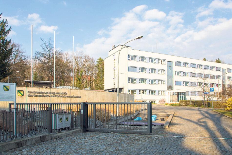 Hier in der Landesuntersuchungsanstalt in Dresden laufen alle Labortests der Gesundheitsämter zusammen.