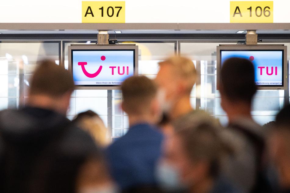 Ab Montag wird die Heimkehr für Urlauber aus Spanien nach Deutschland unangenehmer - sofern nicht genesen oder geimpft. (Symbolbild)