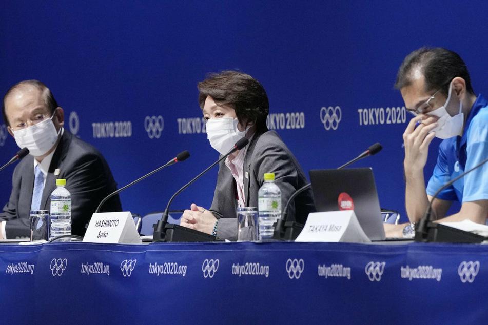 Olympias Organisationskomitee: Geschäftsführer Toshiro Muto (78, l.), Präsidentin Seiko Hashimoto (56, M.) und Sprecher Masa Takaya.