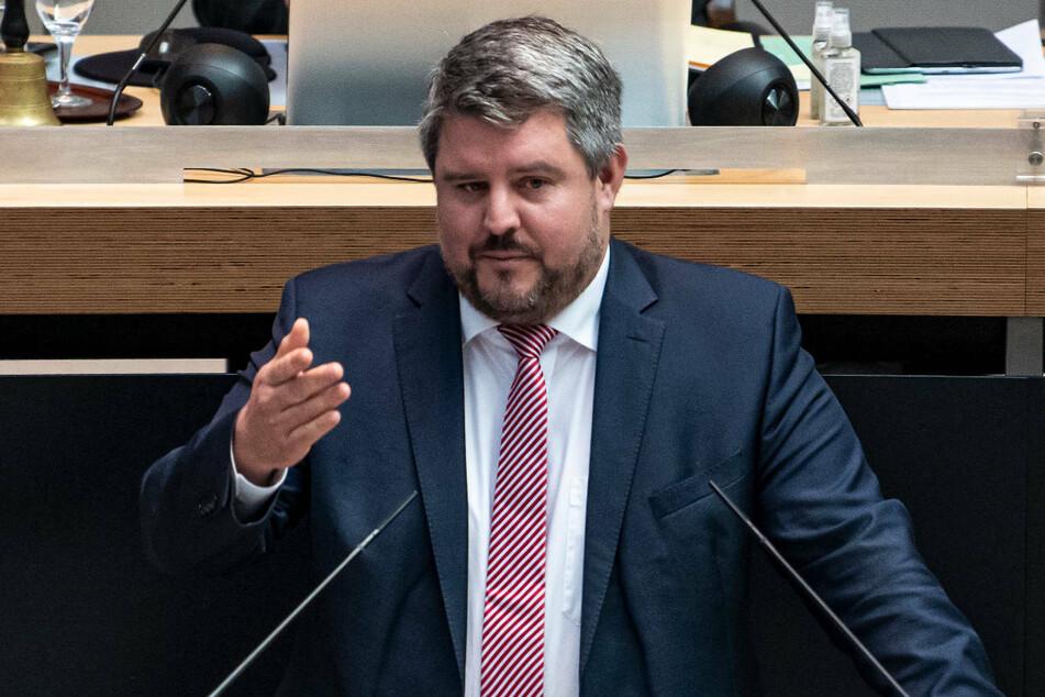 Der FDP-Abgeordnete Paul Fresdorf (44) fordert Anreize, verstärkte Impfaufklärung und mehr Angebote anstatt einer Impfpflicht.
