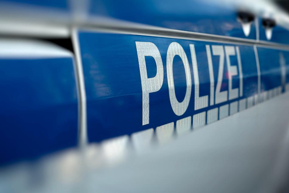 86-jähriger Bergisch Gladbacher bestohlen: Räuber auf der Flucht!