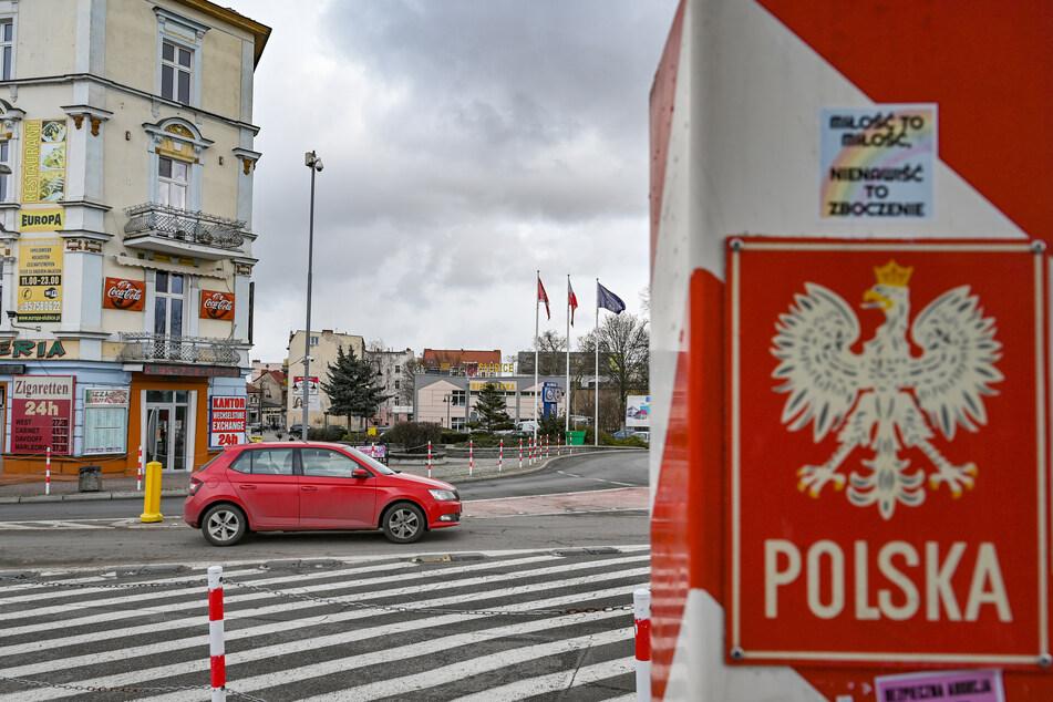 Grenzübergang zwischen dem polnischen Slubice und Frankfurt (Oder) in Brandenburg. In Polen sind die Infektionszahlen in den vergangenen Tagen drastisch gestiegen.