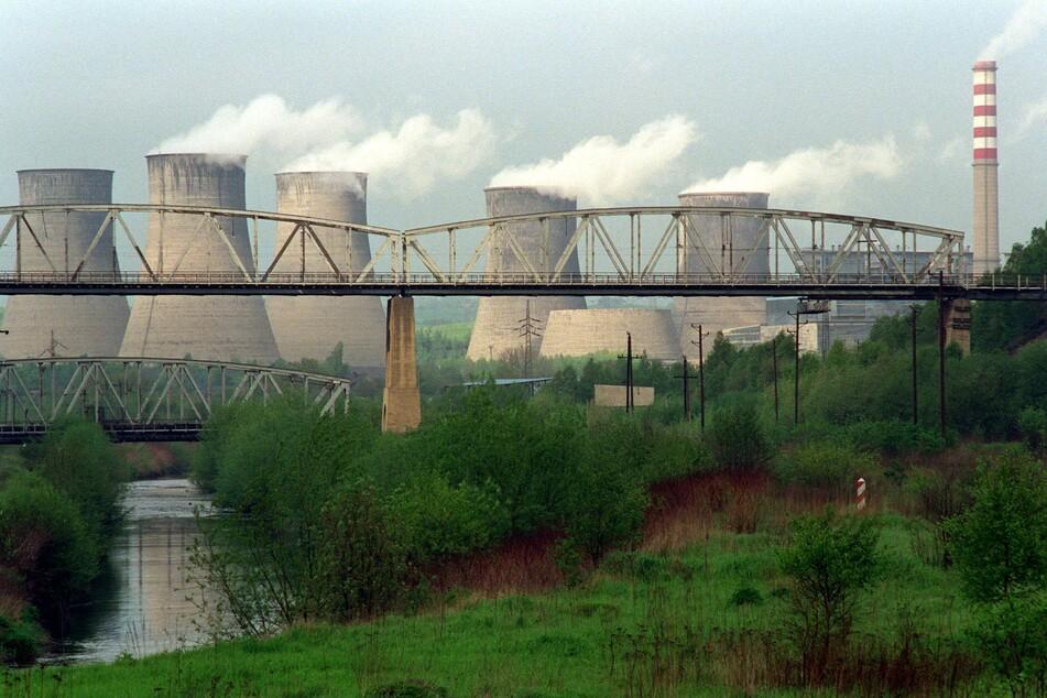 Das polnische Kraftwerk am Rande der Braunkohlengrube Turow befindet sich an der deutsch-polnischen Grenze nordöstlich von Zittau.