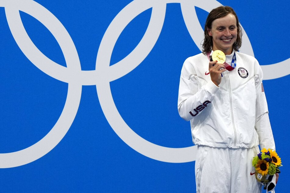 Olympics: Katie Ledecky finally gets the gold and a place in history after women's 1500-meter freestyle event