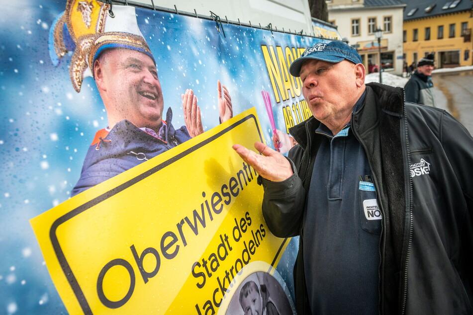 Mirko Ernst (53, FDP) und Joachim Nöske (69, im Foto) sind die wohl bekanntesten Streithähne am Fichtelberg.