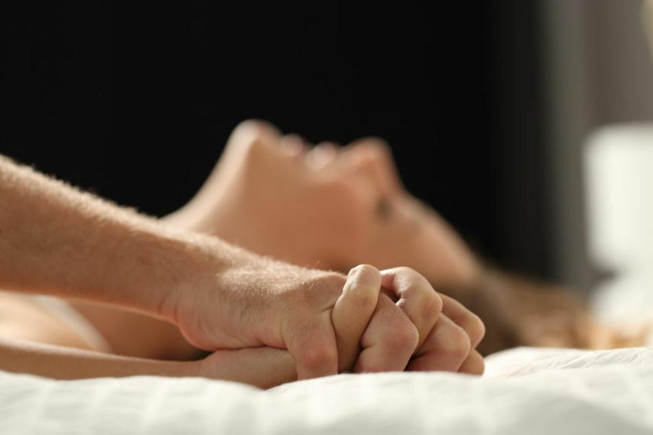 Sex mit dem Schwiegervater ist keine gute Idee. Mit den Konsequenzen muss die Frau nun leben. (Symbolbild)