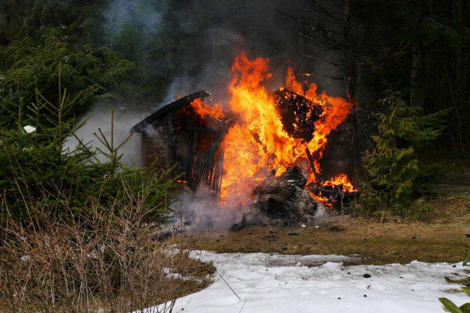 Erzgebirge: Brand in Bungalow-Siedlung