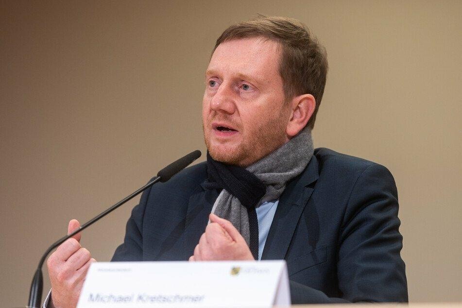 Ministerpräsident Michael Kretschmer (45, CDU) sieht angesichts der dramatischen Lage in den Kliniken keine andere Möglichkeit als ein Knallhart-Lockdown.