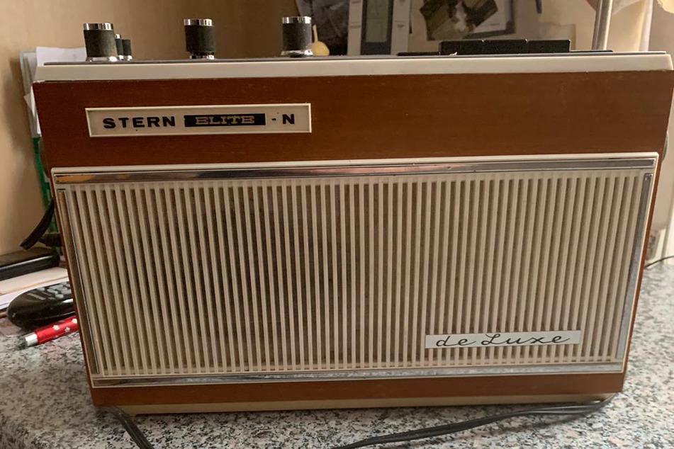 """Ein noch immer funktionstüchtiges Kofferradio des Modells """"Stern Elite de Luxe"""", das Ende der 1960er Jahre hergestellt wurde, kostete damals 660 DDR-Mark."""