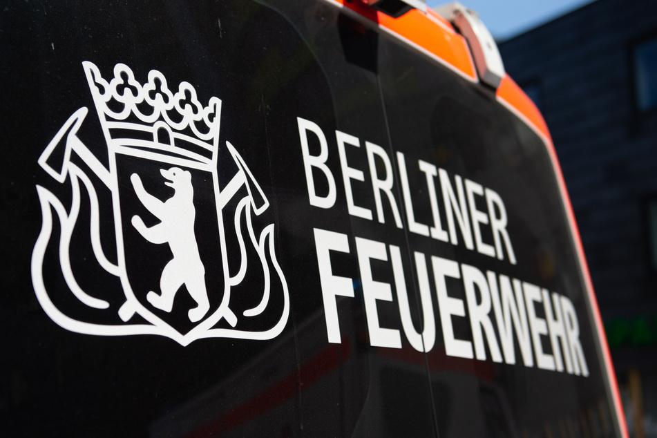 In Berlin-Neukölln ist ein Feuer in einem kleinen Mehrfamilienhaus ausgebrochen (Symbolbild).