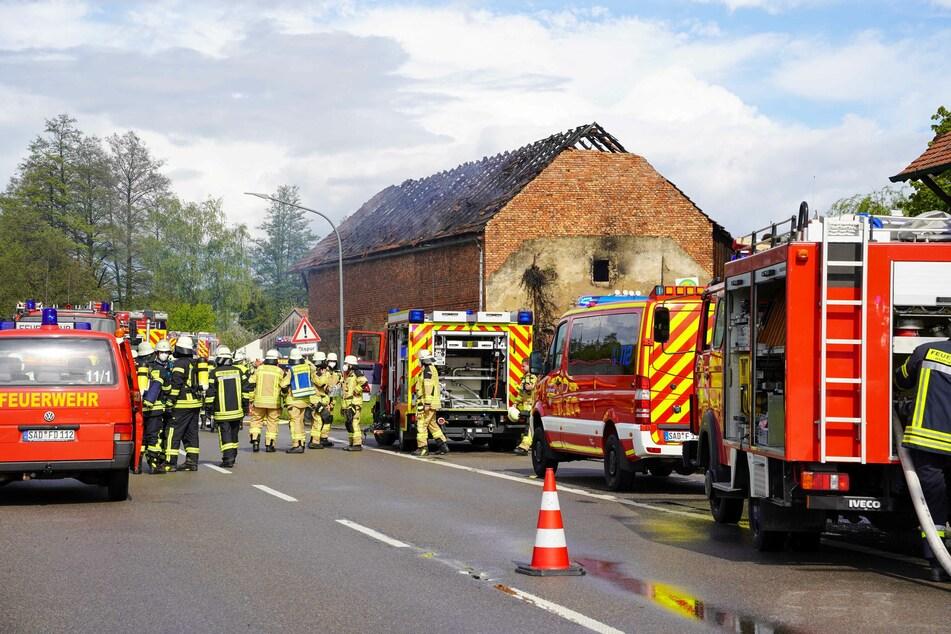 Ein Holzstadl ist im Landkreis Freyung-Grafenau in Bayern völlig ausgebrannt. Der Schaden beläuft sich auf rund 150.000 Euro.