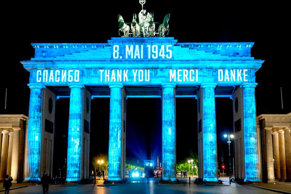 Berlin Strahlt Brandenburger Tor An Und Dankt Den Alliierten Tag24