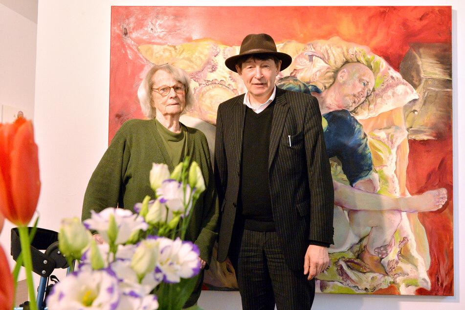 Priscilla Ann Siebert (†102, hier mit Künstler Holger John) hat fast 70 Jahre lang in Dresden gemalt.