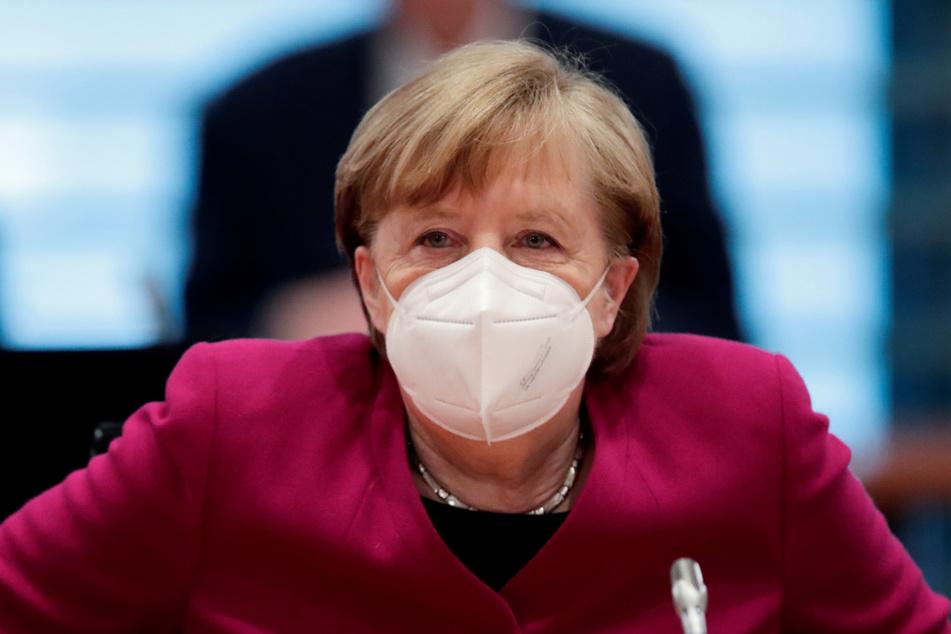 Angela Merkel (66) bei ihrer wöchentlichen Kabinettssitzung im Kanzleramt.