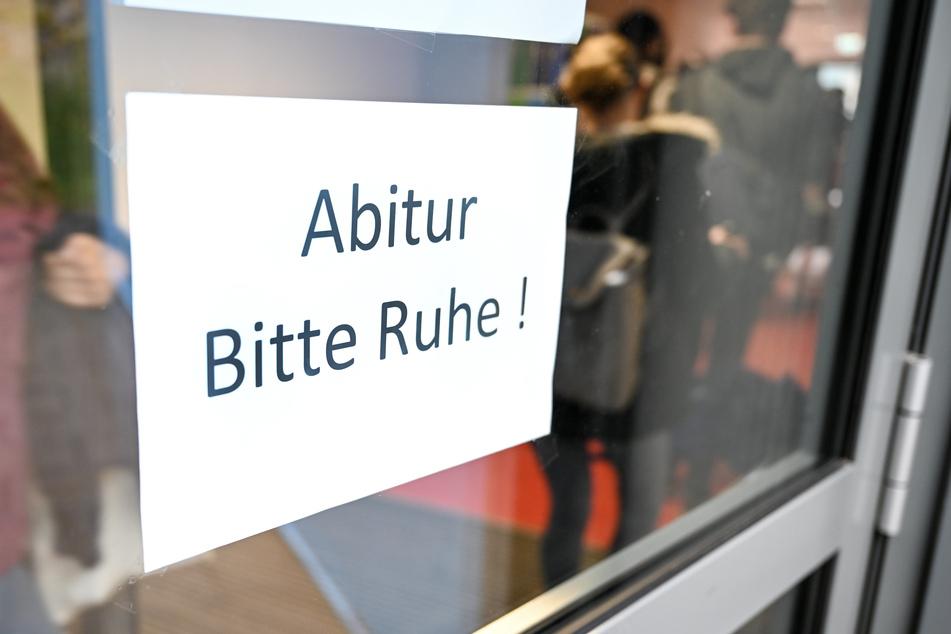 Der Berliner Schülerausschuss fordert eine Aufhebung der allgemeinen Prüfungspflicht (Symbolbild).