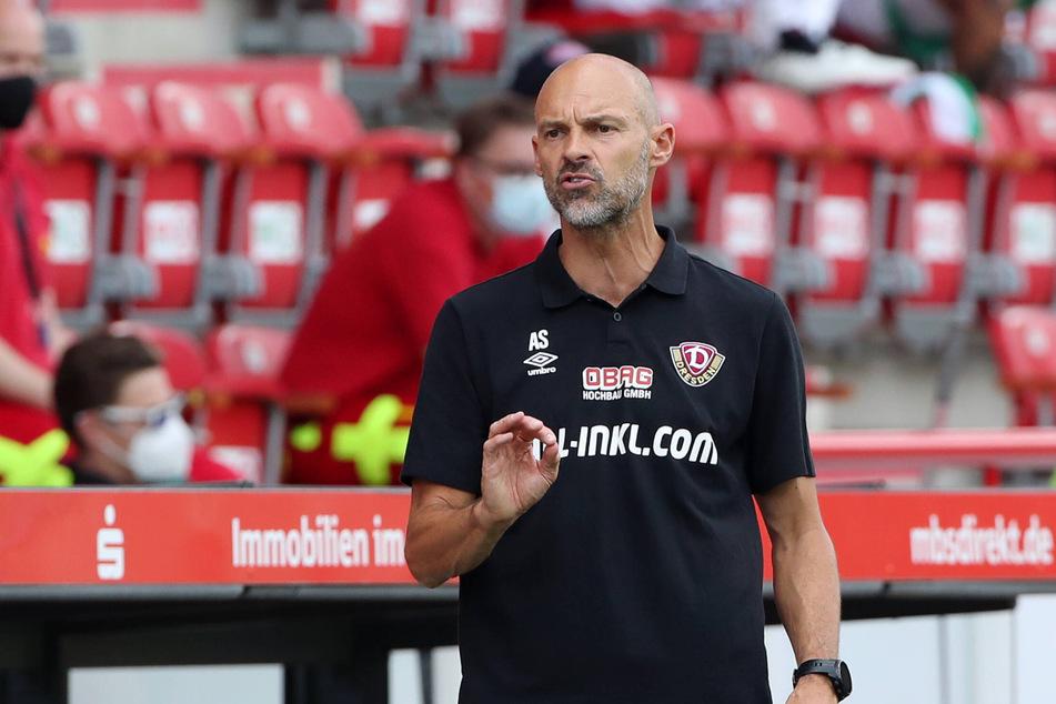 Dynamo-Trainer Alexander Schmidt bescherte das Spiel bei Union noch einmal neue Erkenntnisse.