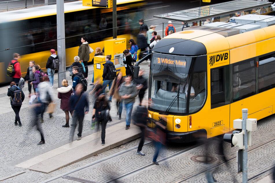 Exhibitionist masturbiert in Dresdner Straßenbahn