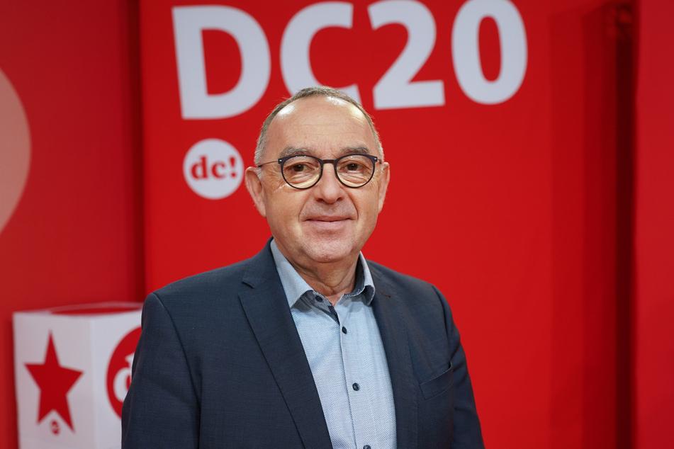 Norbert Walter-Borjans (62, SPD), Parteivorsitzender, hat die Hersteller von Corona-Impfstoffen scharf kritisiert.