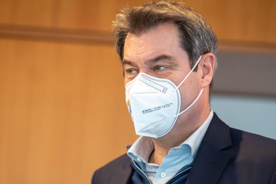 """Laut Markus Söder (54, CSU) hält Falschinformationen zu Corona-Impfungen für eine """"Gefahr für die Demokratie""""."""