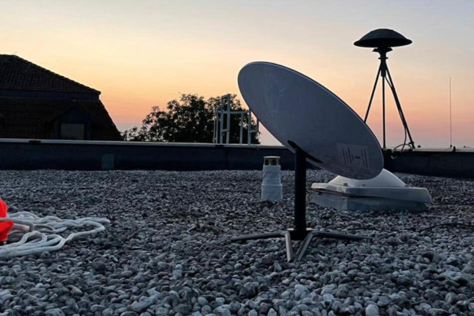 Starlink: Feuerwehr Köln und Elon Musk bauen Internet in Katastrophen-Gebiet auf