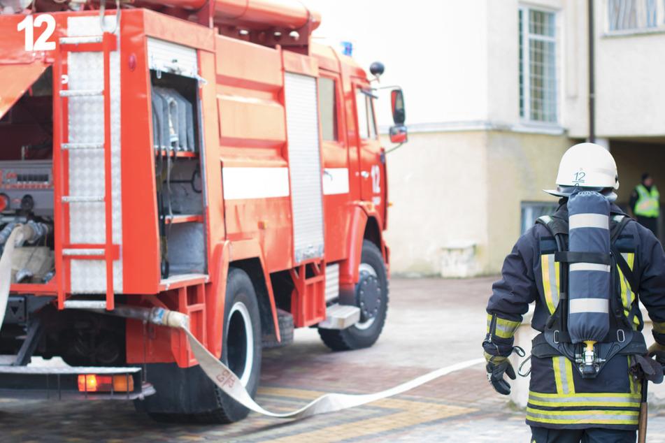 Die Brandursache war zunächst noch nicht bekannt. Der Schaden wird auf eine halbe Million geschätzt. (Symbolbild)
