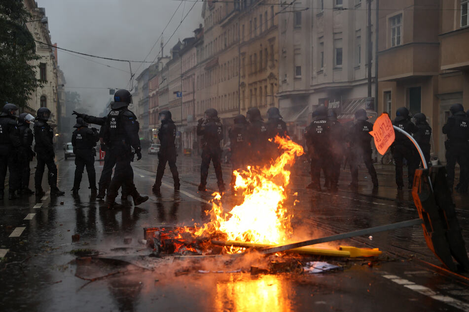 """Am vergangenen Samstag eskalierte die """"Wir sind alle LinX""""-Demo in Leipzig."""