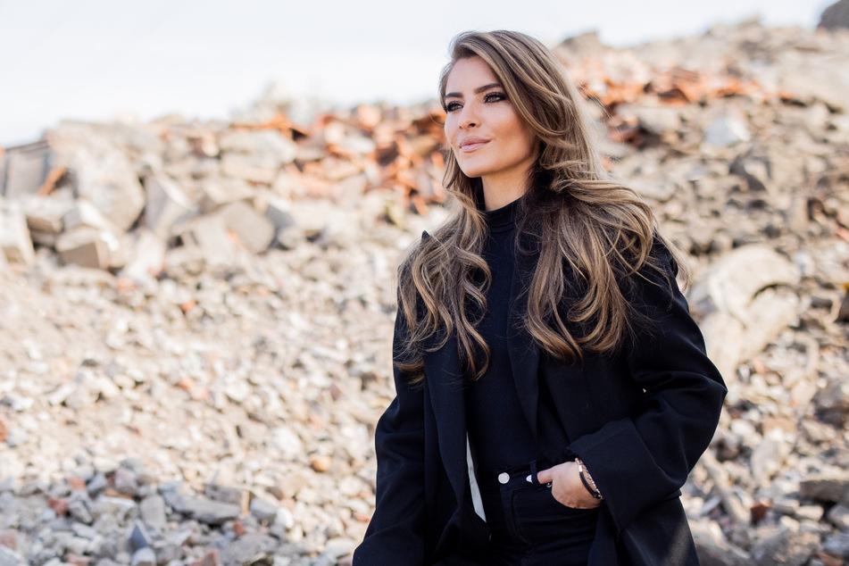 Sophia Thomalla (31) ist sich für keinen Spruch zu Schade. Diesmal sorgte sie mit ihrem Stil für Aufmerksamkeit.