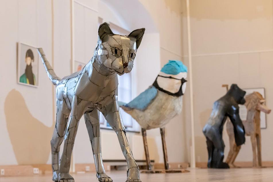 """Auf Schloss Rochsburg ist die Ausstellung """"Konferenz der Tiere zu sehen""""."""