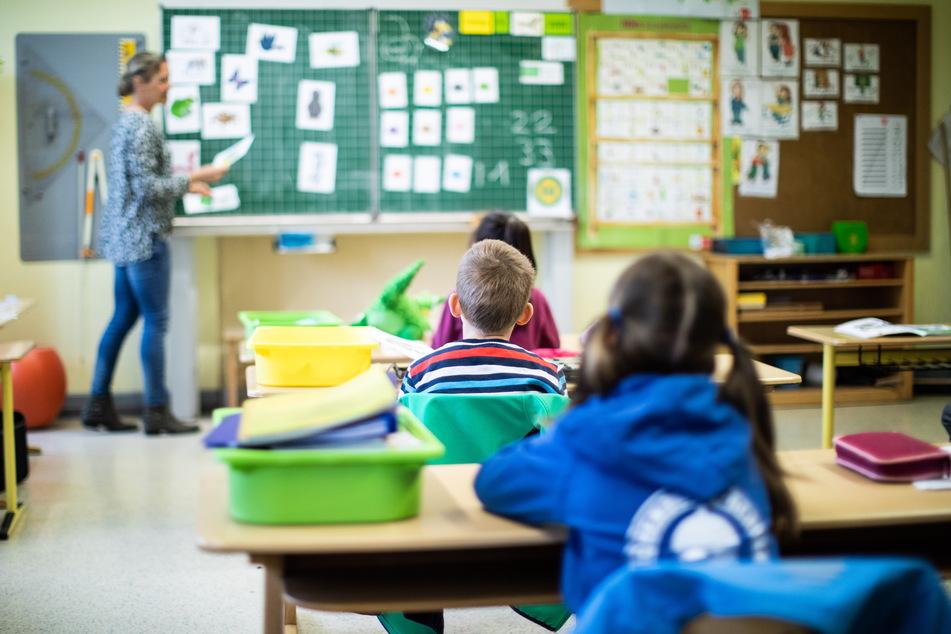 Unterricht für Grundschüler vor Sommerferien: Mehrheit in Umfrage dafür