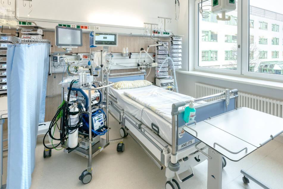 Infektionslage spitzt sich zu: Gehen an Sachsens Kliniken bald die Notfallbetten aus?